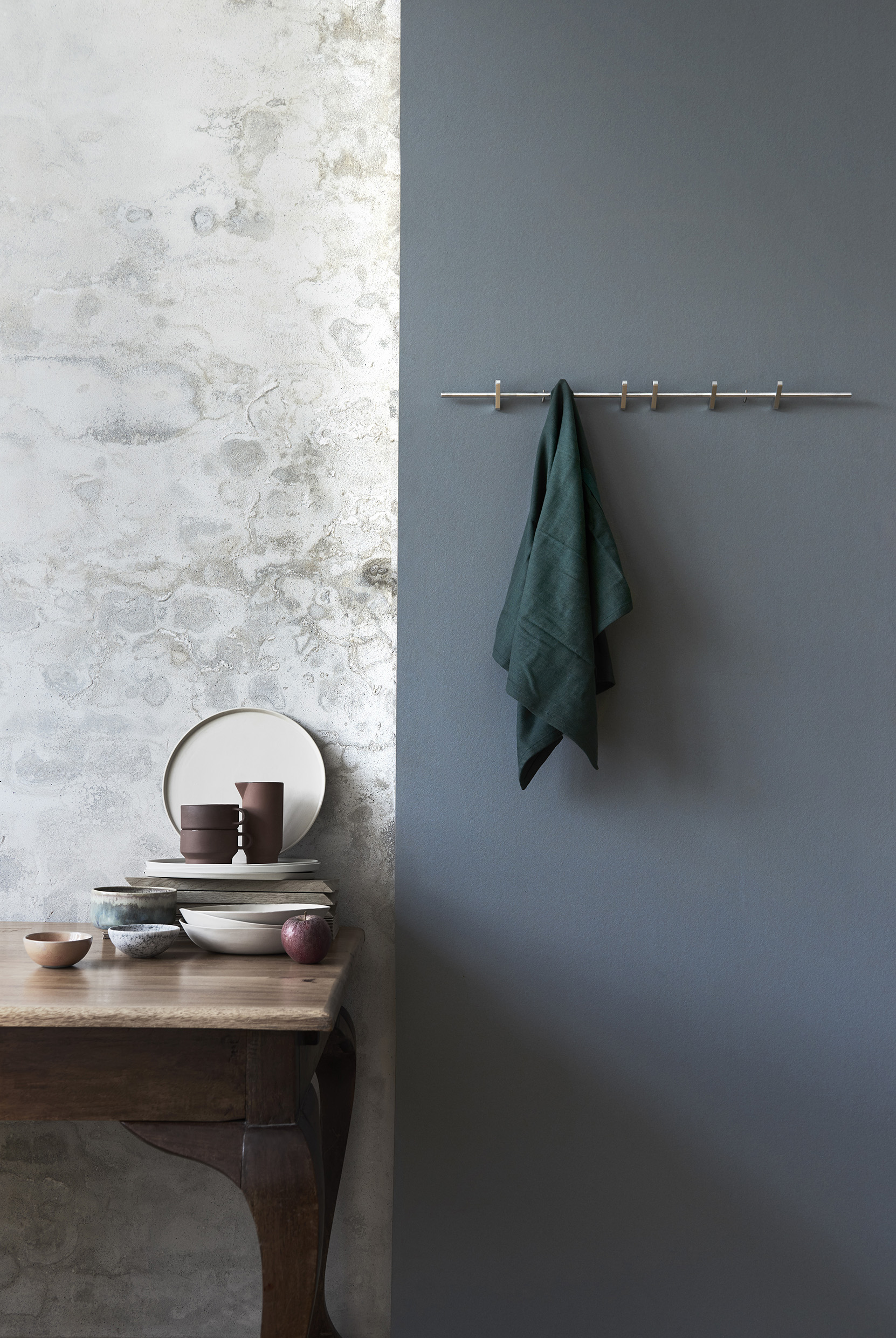 MOEBE_COAT-RACK_IC_Low-Res_4