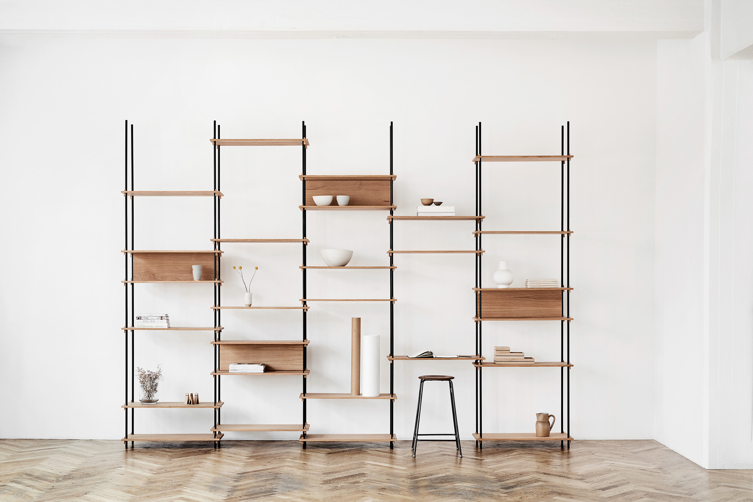 MOEBE_SHELVING-SYSTEM_IN-CONTEXT_LOW-RES_08.jpg